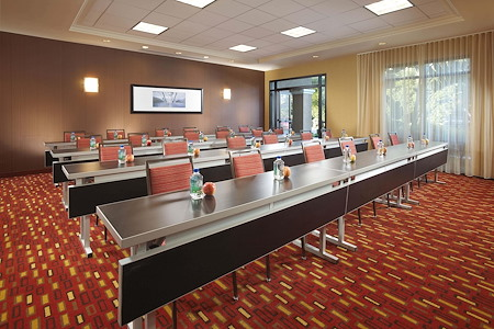 Courtyard by Marriott Anaheim/Convention Center - Studio Room- Meeting Room