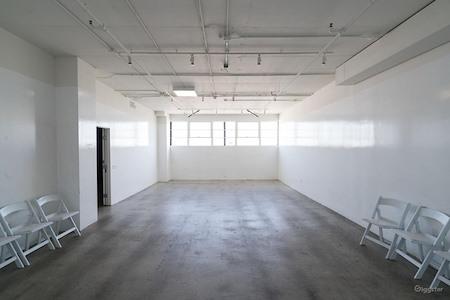 (MKR) Maker City LA - Window Office