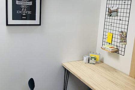 KH Properties - Doral - Dedicated Desk 1