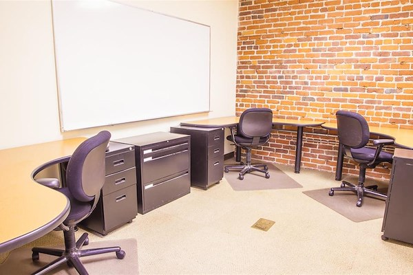 ReadiSuite - Veronica Building - Monthly Team Office 220