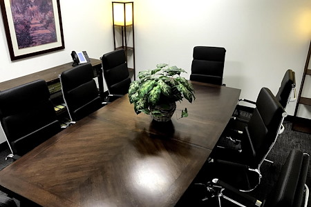 OfficeNJ - Piscataway - Medium Conference Room