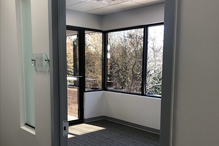 Perfect Office Solutions - Riverdale - Private Window Office in HUB Zone