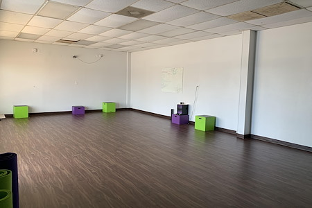 DIMA Health and Fitness - Office 1