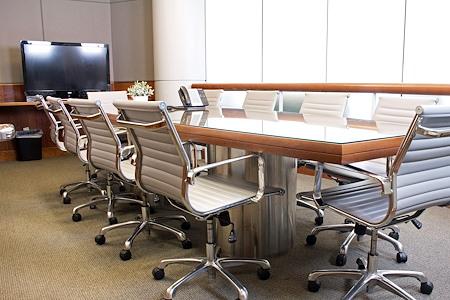 Avanti  Workspace - Wells Fargo Center - South Atrium Boardroom