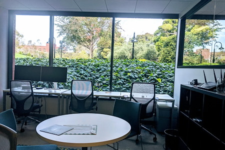 Regus | 505 Montgomery - Beautiful window line office for 8p