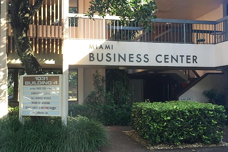 Goldbetter Miami Office Business & Conference Center - Miami Meeting Room