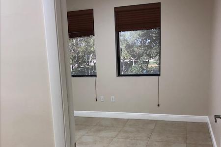 Weston Business Center - Mini Suite 220