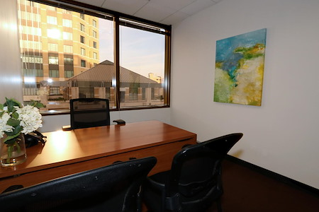 Pacific Workplaces - Oakland - Day Office 16
