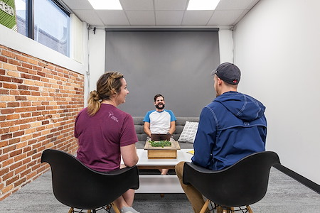 Novel Coworking Pioneer Building - Large Office Suite for 13