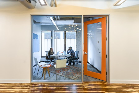 Novel Coworking 5th Avenue - 2-4 Person Window Office