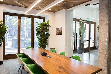 Kiva Cowork - Entrada Conference Room