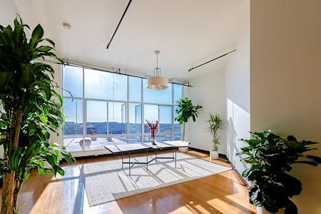 foodpeople - Enormous DTLA loft with tons of light.