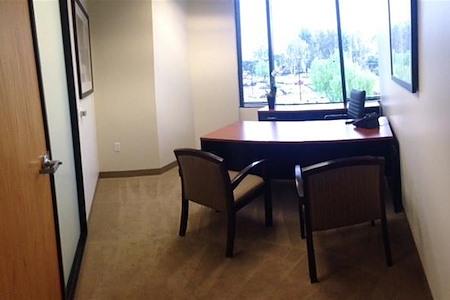 (VON) Von Karman Corporate Center - Exterior Office