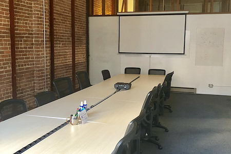 Starfish Mission - Emerging Tech Coworking Space - Spacious Board/Workshop Room Monet