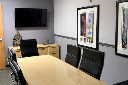 ExecuSuites Southwest  LLC - Medium Meeting Room