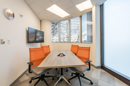 Office Evolution - Tysons Corner - Jefferson Conference Room