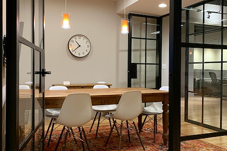 FireWorks Coworking - Meeting Room for 5