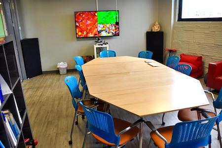 COMRADITY Strategy & Creative Resource Center - Inspiration Room