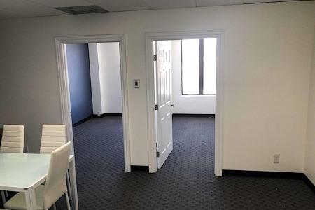 V Entertainment - Office near downtown LA - AMAZING VIEW!