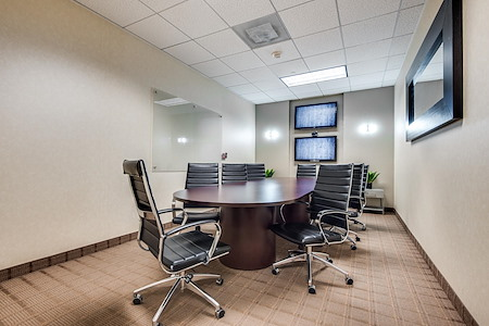 WORKSUITES | Dallas Galleria Tower Three - Boardroom 2