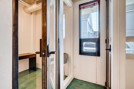 Hub & Spoke - Private Room 2T - Icludes Amenities
