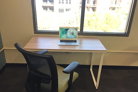 Cross Campus Scottsdale - 1 Person Hot Desk (24/7 Access)