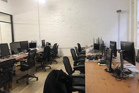 Tech Company - Dedicated Desk