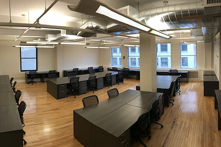 Select Office Suites - 1115 Broadway Flatiron NYC - 40 Person Windowed Team Room