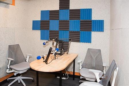 Kiva Cowork - Studio Conference Room