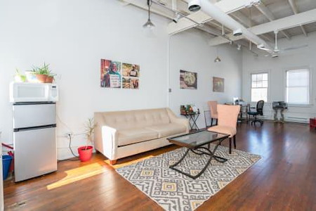 Shea Yeleen - Beautiful Loft in the heart of DC
