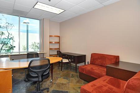 Irvine Spectrum Productivity Suites - Office Suite 202