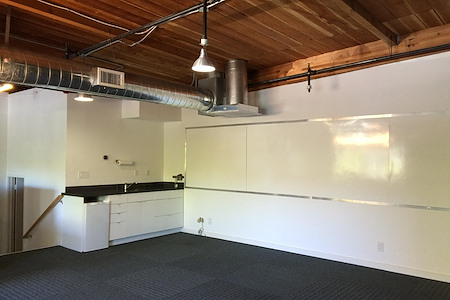 Lisa Yong - Open Studio Loft in the Mission