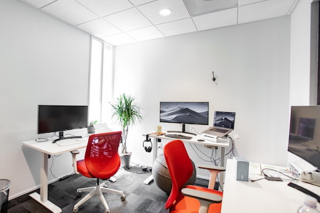OnePiece Work Santa Monica - Office for 4 in Downtown Santa Monica