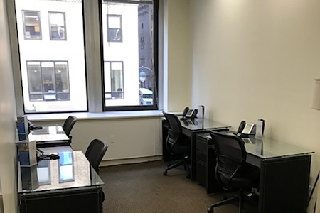 Jay Suites Grand Central - Private Double Window Office for 5-6
