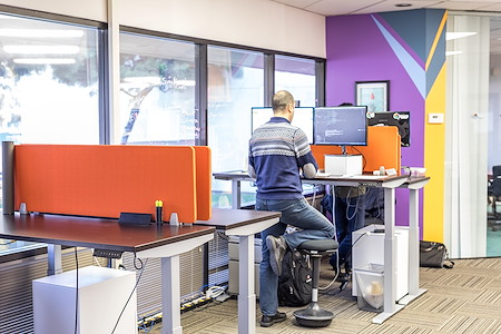 Mindrome Coworking Space and Private Office - Coworking Space/Smart Desk