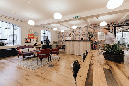 WeWork | Medius House - Hot Desk