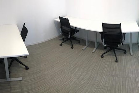 MakeOffices | 17th & Market - 3 Person Office - Interior
