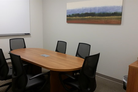 Office Evolution - Westlake - Beautiful Medium Sized Conference Room