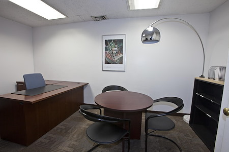 NYC Office Suites - 1270 Avenue of the Americas - Interior Office