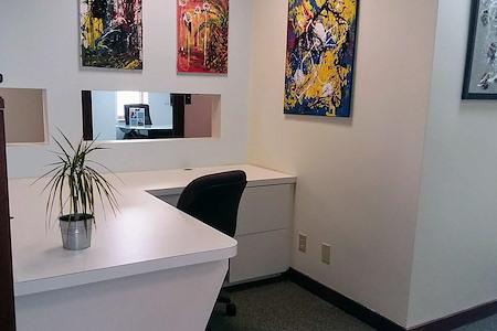 mindwarehouse - Dedicated Desk