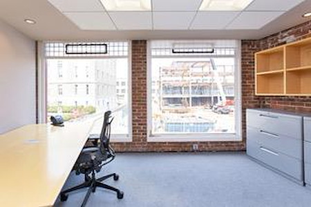gSPACE | Greenwich Offices - Office Suite for 1