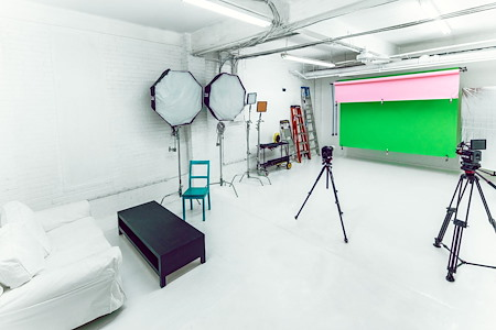 Colorspace Labs - Dedicated Desk 2