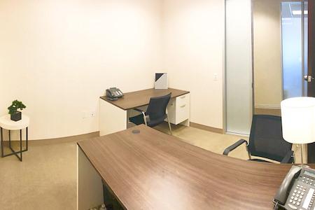 (MT1) Miami Tower - Interior Office