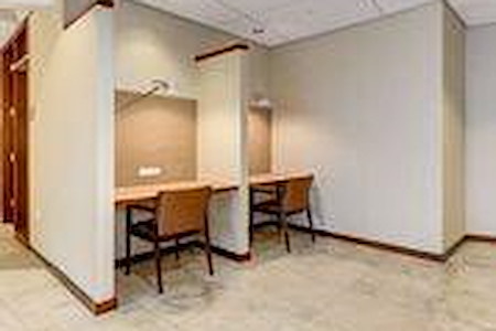 Carr Workplaces - Friendship Heights - Touchdown Desk
