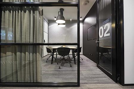 Altitude Cowork - Studio 2 - Ground Floor (4pax)