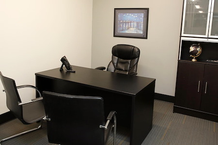Global Business Centers - 2 Office 2 Cubicle Suite