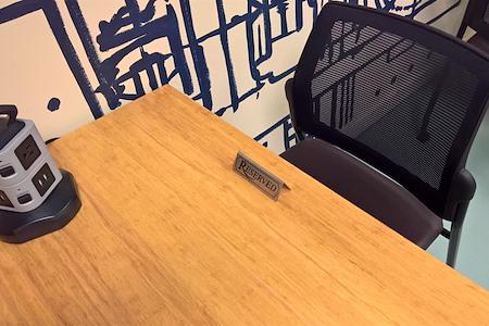 Edwin Jarvis CoWork Club - Coworking Dedicated Desk