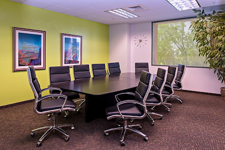 Office Evolution - North Phoenix at the Corridors - Pinnacle Conference Room