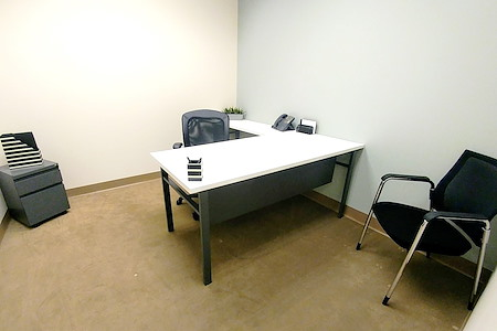 (ALN) One Allen Center - Contemporary Office, All-Inclusive Price