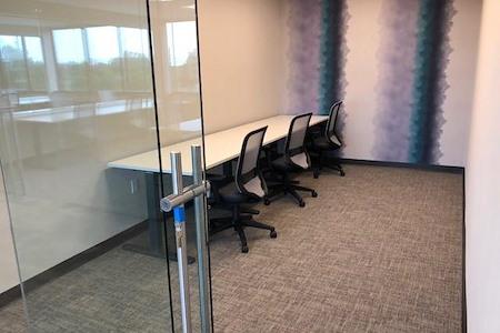 PrimeWork - Suites 420 - Dedicated Desk